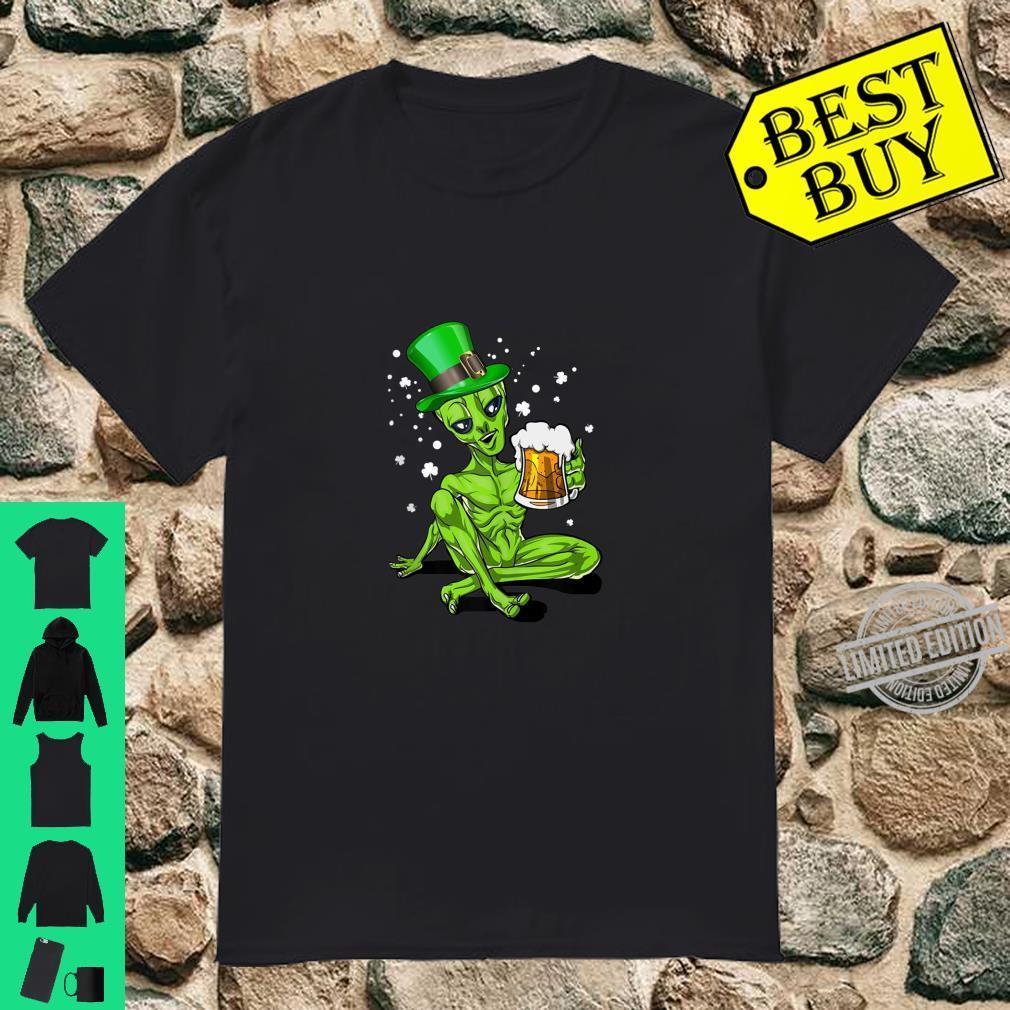 Alien Leprechaun Drinking Beer St. Patrick's Day Shirt