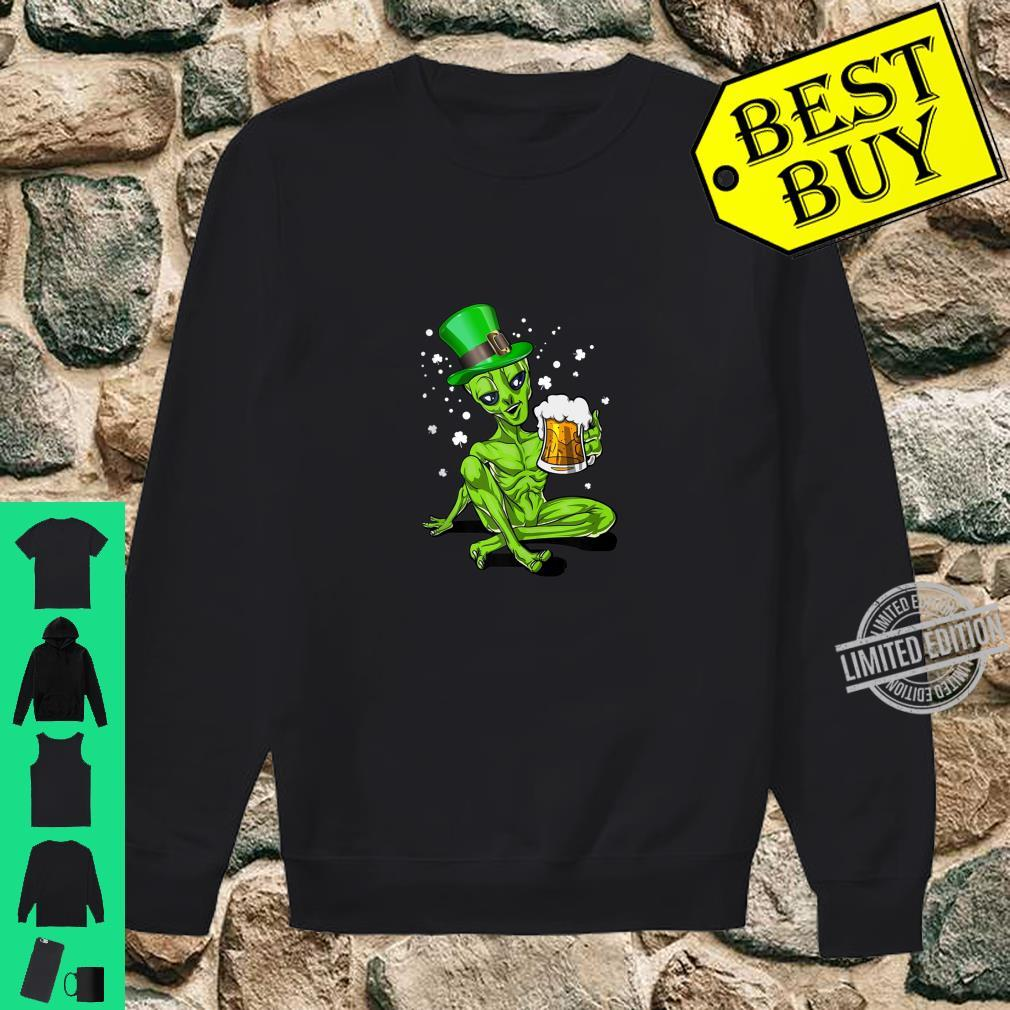 Alien Leprechaun Drinking Beer St. Patrick's Day Shirt sweater